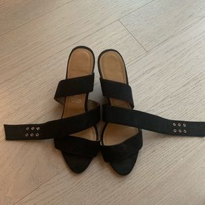 H&M black low wedges with rose gold buckle